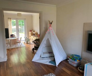 inside house teepee1